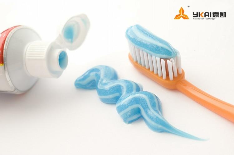 toothpaste1