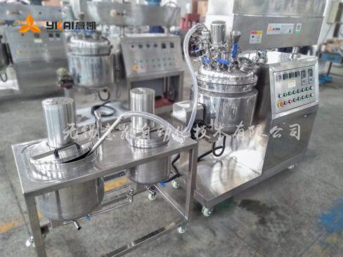 Emulsifier water tank